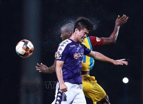 Vòng 16 V.League 2019: 'Nóng' ở hai đầu bảng xếp hạng