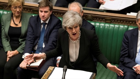 Thủ tướng Anh sẵn sàng đánh đổi sự nghiệp để cứu Brexit?