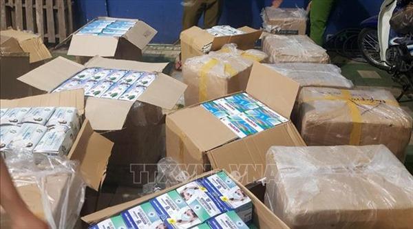 Thu giữ gần 75.000 chiếc khẩu trang y tế không có hóa đơn