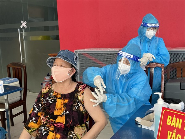 TP Hồ Chí Minh sẽ tổ chức tiêm vaccine phòng COVID-19  cả sau 18 giờ