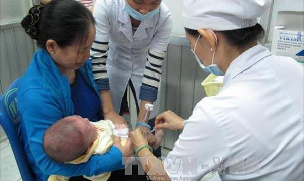 Trẻ mắc cúm, khi nào cần đến bệnh viện?