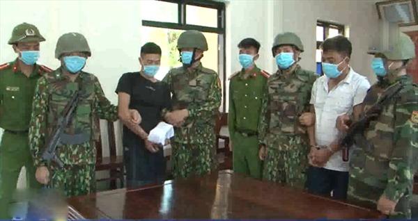 Bắt 2 đối tượng vận chuyển ma túy tại Hà Tĩnh