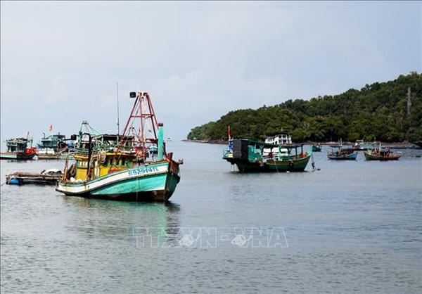 Tận dụng khai thác lợi thế kinh tế biển