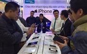 Quá tải ngày đầu mở bán iPhone 7