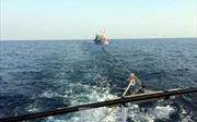 Tàu cá va vào đá và chìm gần đảo Cù Lao Chàm