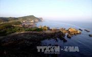 Dẹp bỏ nhà gỗ kinh doanh trái phép trên bãi biển Cô Tô