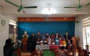 Thăm và tặng quà cho học sinh trường Tiểu học Ngọc Mỹ ở Hoà Bình
