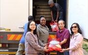 Cộng đồng người Việt tại Nam Phi gửi hàng cứu trợ giúp Zimbabwe khắc phục hậu quả siêu bão Idai