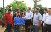 Trao 200 triệu đồng hỗ trợ làm nhà Đại đoàn kết cho hộ nghèoở Gia Lai