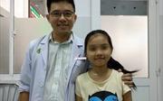 Bé gái 10 tuổi có khối u phổi nặng 1,5 kg hiếm gặp