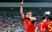 M.U duyệt 150 triệu mua 'báu vật' bóng đá TBN; Công Vinh ủng hộ Quang Hải xuất ngoại