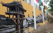 Hà Nội xưa tái hiện trên bức bích họa trước cổng trường THPT Phan Đình Phùng