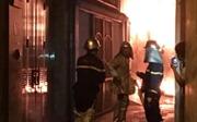 Cháy cột điện tại Hà Nội làm náo loạn khu dân cư