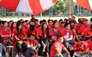 Cổ động viên Hà Nội hào hứng cổ vũ cho tuyển Việt Nam