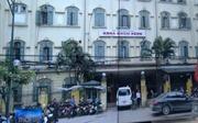 Đình chỉ nhân viên y tế trong vụ gian lận tại Bệnh viện Xanh Pôn
