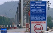 Tai nạn rình rập trên cây cầu 'đau khổ' dùng chung giữa đường bộ với đường sắt