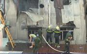 Cháy công ty giày tại TP Hồ Chí Minh giữa trời mưa lớn