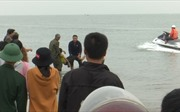 Một học sinh bị nước cuốn trôi khi bắt cáy tại cảng Cửa Hội, Nghệ An