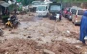 Mưa lớn gây sạt lở làm ách tắc Quốc lộ 4G, Sơn La