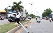 Xe tải leo dải phân cách, tông 2 xe máy khiến một người tử vong