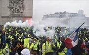 Nước Pháp và cuộc khủng hoảng xã hội chưa từng có