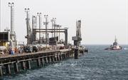 Giá dầu Brent lần đầu tiên vượt ngưỡng 75 USD/thùng trong 6 tháng