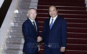 Thủ tướng Nguyễn Xuân Phúc tiếp Chủ tịch Tập đoàn Fast Retailing, Nhật Bản