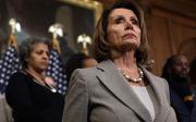 Ngăn Tổng thống đọc Thông điệp Liên bang đúng lịch, bà Nancy Pelosi 'tuyên chiến'?