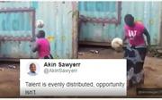 Làng bóng đá ngỡ ngàng trước tài tâng bóng của bà nội trợ