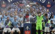 Man City hoàn tất hat-trick danh hiệu lịch sử