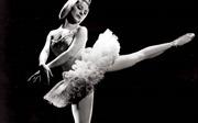 Nữ nghệ sĩ huyền thoại ballet Cuba được vinh danh là 'Ngôi sao Thế kỷ'