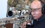 Xem Tổng thống Putin trổ tài thiện xạ, thử súng bắn tỉa mới nhất