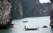 Du lịch Việt Nam: Khám phá vịnh Hạ Long qua du thuyền