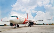 Báo số 5 (Matmo) khiến các hãng hàng không phải điều chỉnh lịch bay khẩn cấp