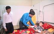 Công đoàn Giáo dục Việt Nam thăm hỏi giáo viên, học sinh bị truy sát ở Thanh Hóa