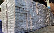 Mật phục, bắt quả tang vụ vận chuyển gần 2.300 gói thuốc lá nhập lậu từ Campuchia