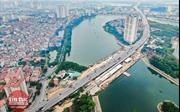 Thi công 2 cầu đi thấp qua hồ Linh Đàm dưới nắng nóng gay gắt