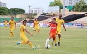 V.League 2019: 'Bữa tiệc' bàn thắng trên sân Hòa Xuân
