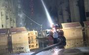 Gặp gỡ lính cứu hỏa robot 'tả xung hữu đột' giữa biển lửa Nhà thờ Đức Bà Paris