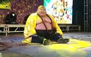 Sửng sốt người đàn ông Trung Quốc có ngoại hình giống Phật Di Lặc