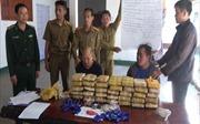 Bắt hai đối tượng người Lào vận chuyển 210.000 viên ma túy tổng hợp