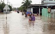 Áp thấp nhiệt đới gây sạt lở, chia cắt giao thông nhiều địa phương