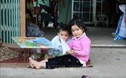 Nhịp sống bình dị của đồng bào Cống, Khơ-mú, Lào nơi biên giới