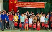 Thăm, tặng quà bà con dân tộc thiểu số nghèo ở Bình Phước