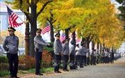 Cảnh sát Hàn Quốc bắt giữ các sinh viên xâm nhập tư dinh của Đại sứ Mỹ