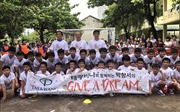 HLV Park Hang-seo 'gieo ước mơ' bóng đá cho trẻ em vùng khó khăn