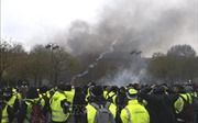 Sau tuyên bố của Tổng thống Pháp: Gió đã lặng, bão sẽ tan?