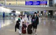 Hong Kong gia hạn lệnh cấm du khách nước ngoài
