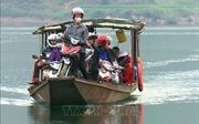 'Đánh đu' với tính mạng trên lòng hồ thủy điện Sơn La