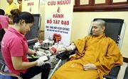 500 tăng ni, phật tử đăng ký hiến máu và 150 người đăng ký hiến mô, tạng